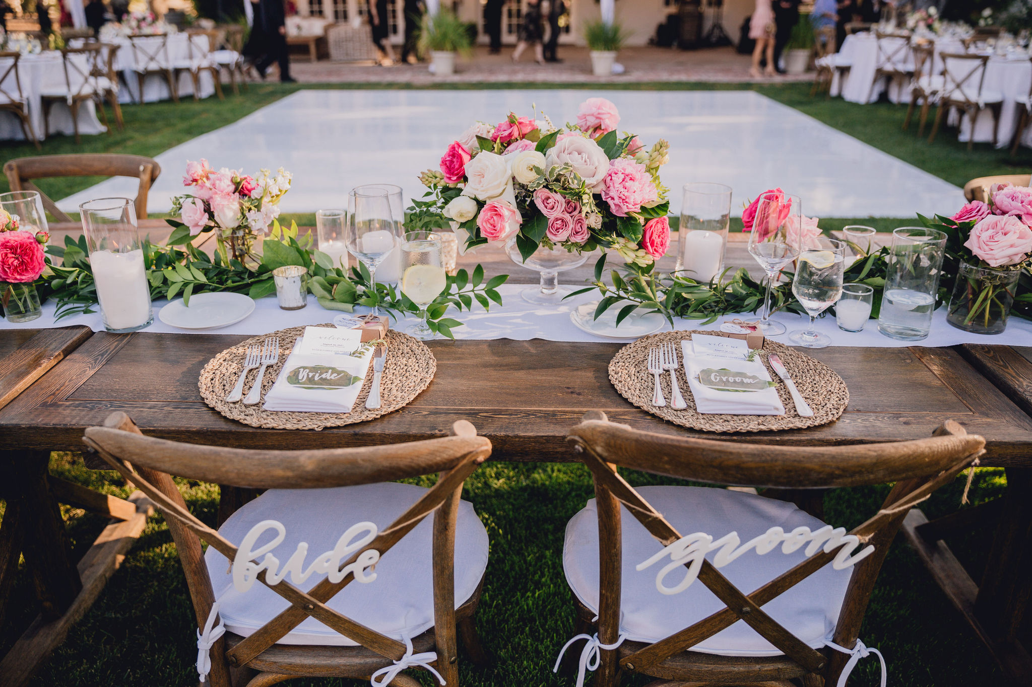 Wedding Sweetheart Table | Triunfo Creek Vineyards