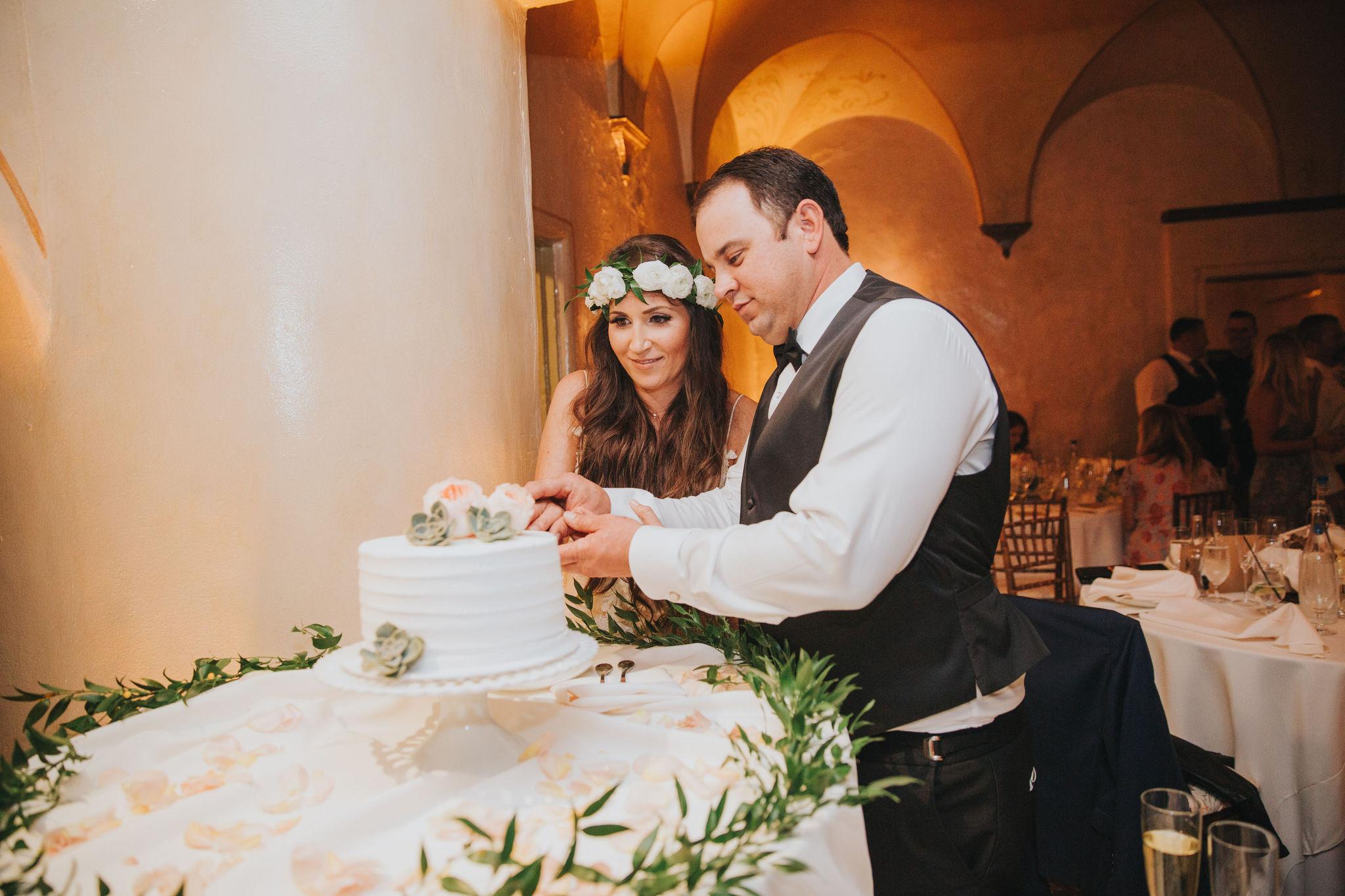 Cake Cutting | La Venta Inn