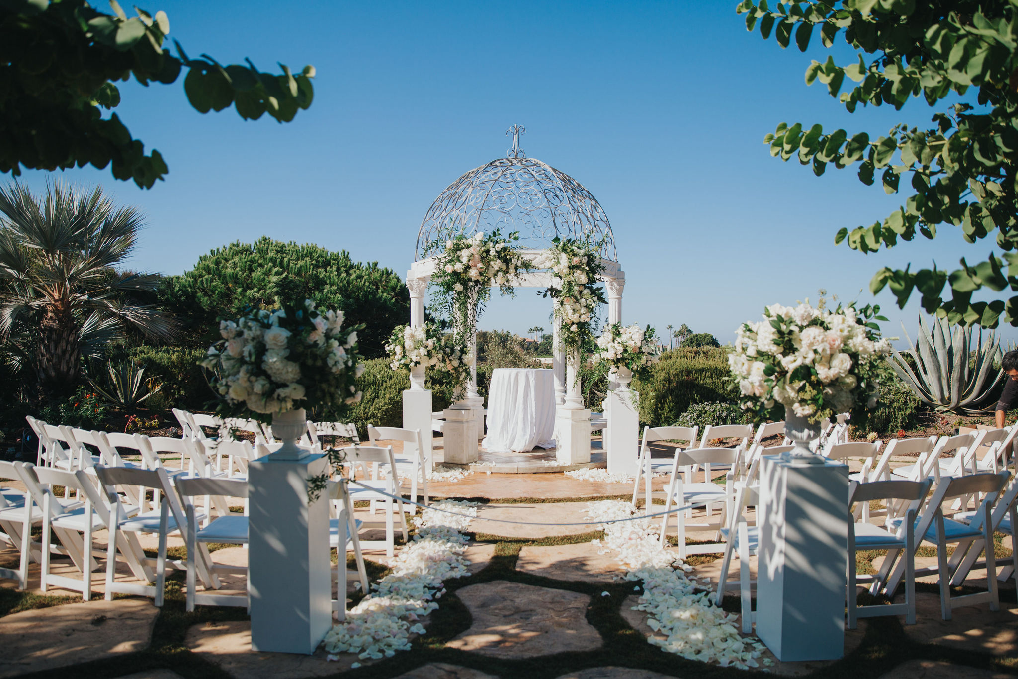 Wedding Arch | Monarch Resort