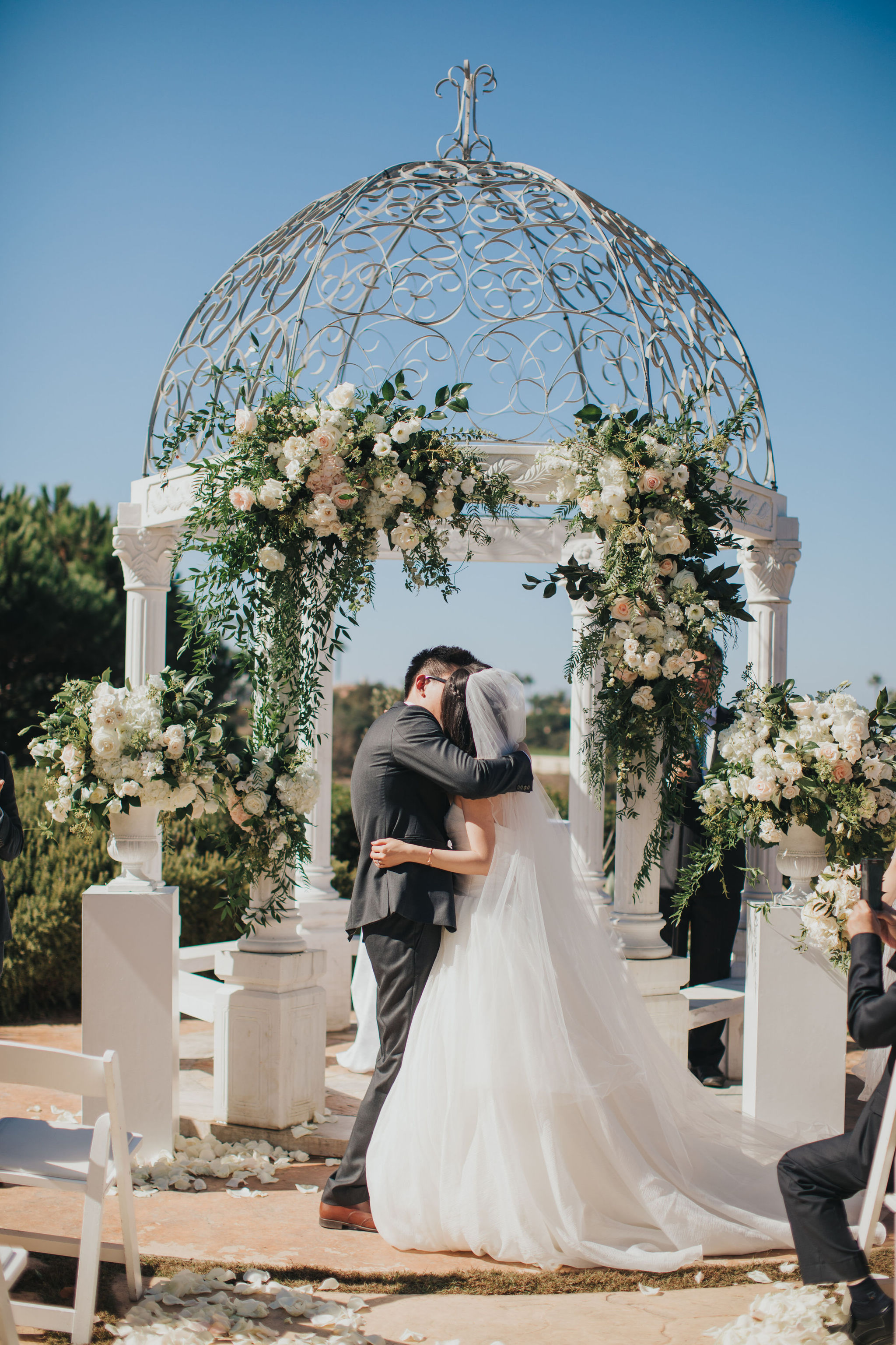 Wedding Kiss | Monarch Resort