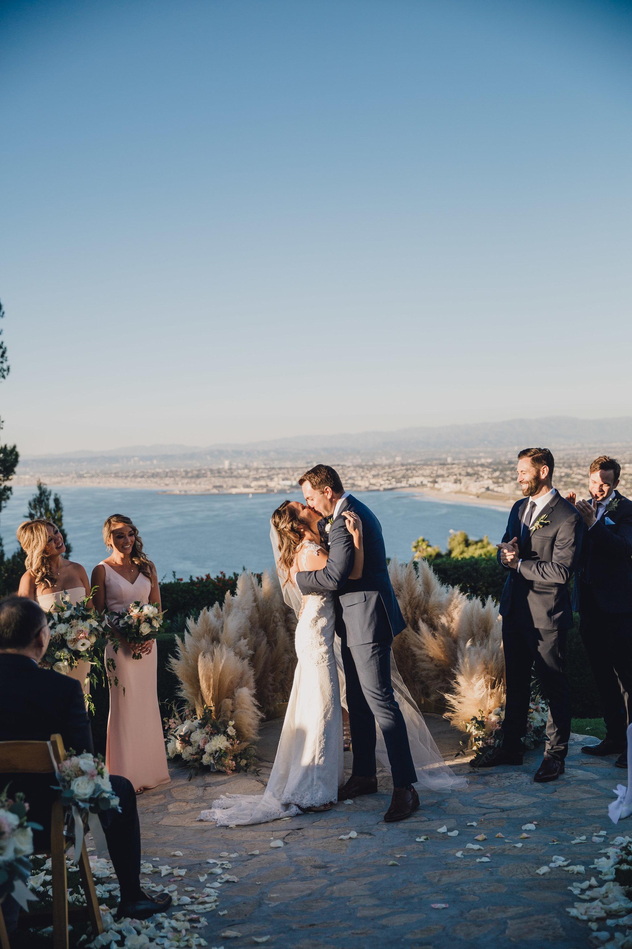 Ceremony Kiss | La Venta Inn